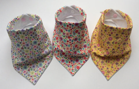 Ditsy Daisies Girls Bandana Dribble Bib Bundle