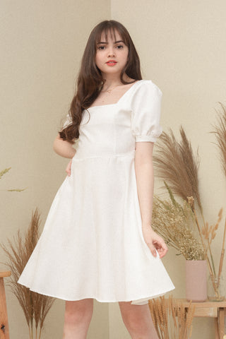 MINDY DRESS IN WHITE
