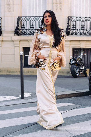 robe-inspiration-orientale-icone-gros-sequins-dorés