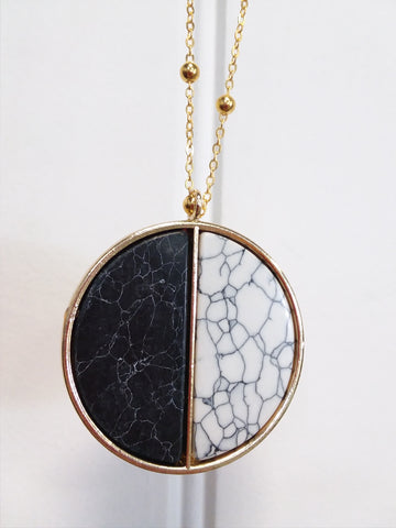 Gold Marble Circle Necklace