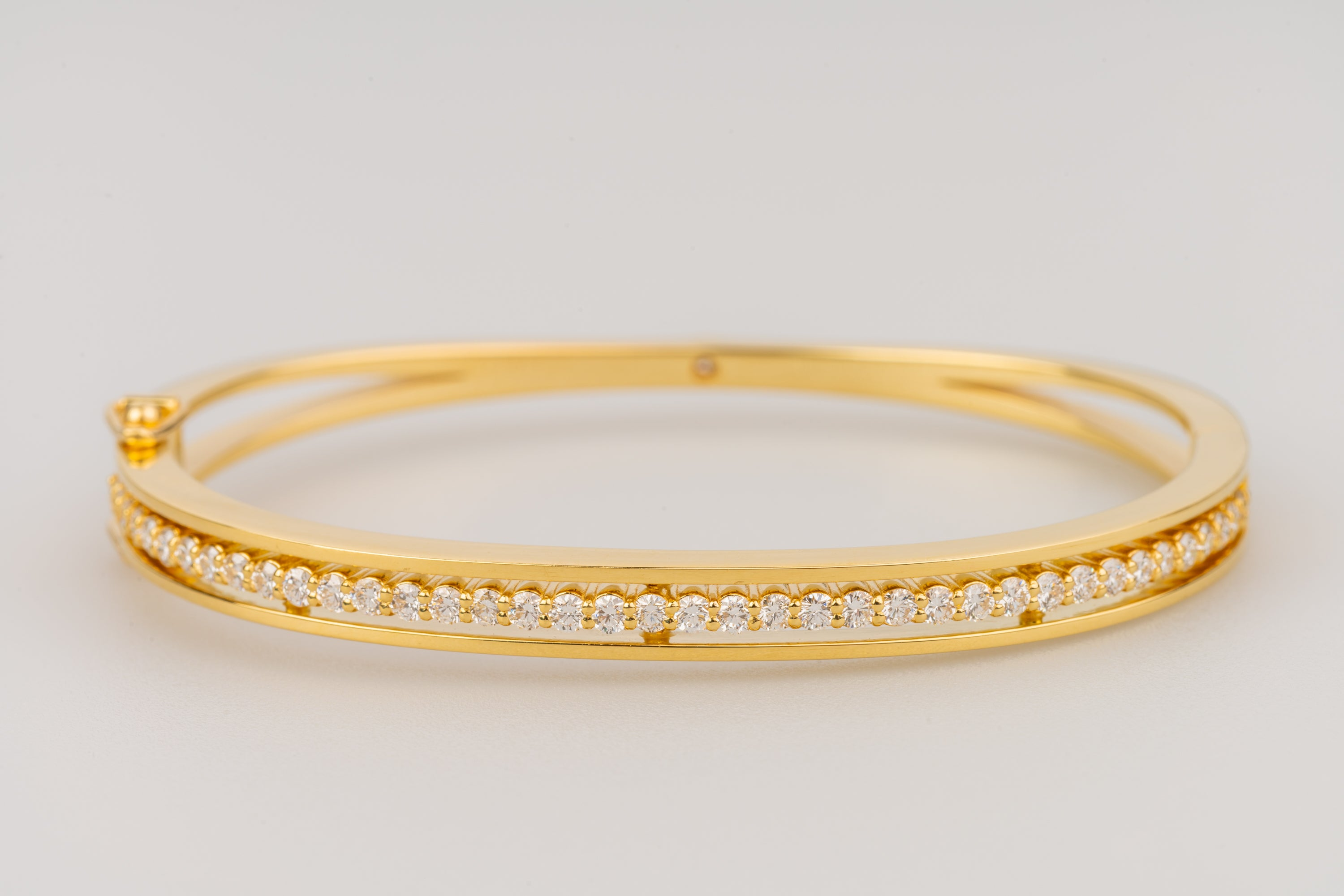 "18k Yellow Gold ""Floating Eternity"" Bracelet"