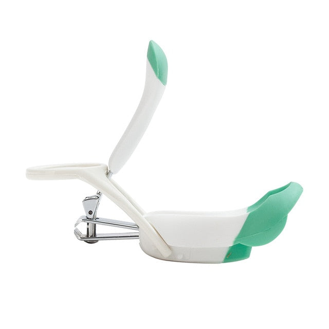 Foldable Baby Nail Clipper With Magnifier for Maximum Safety