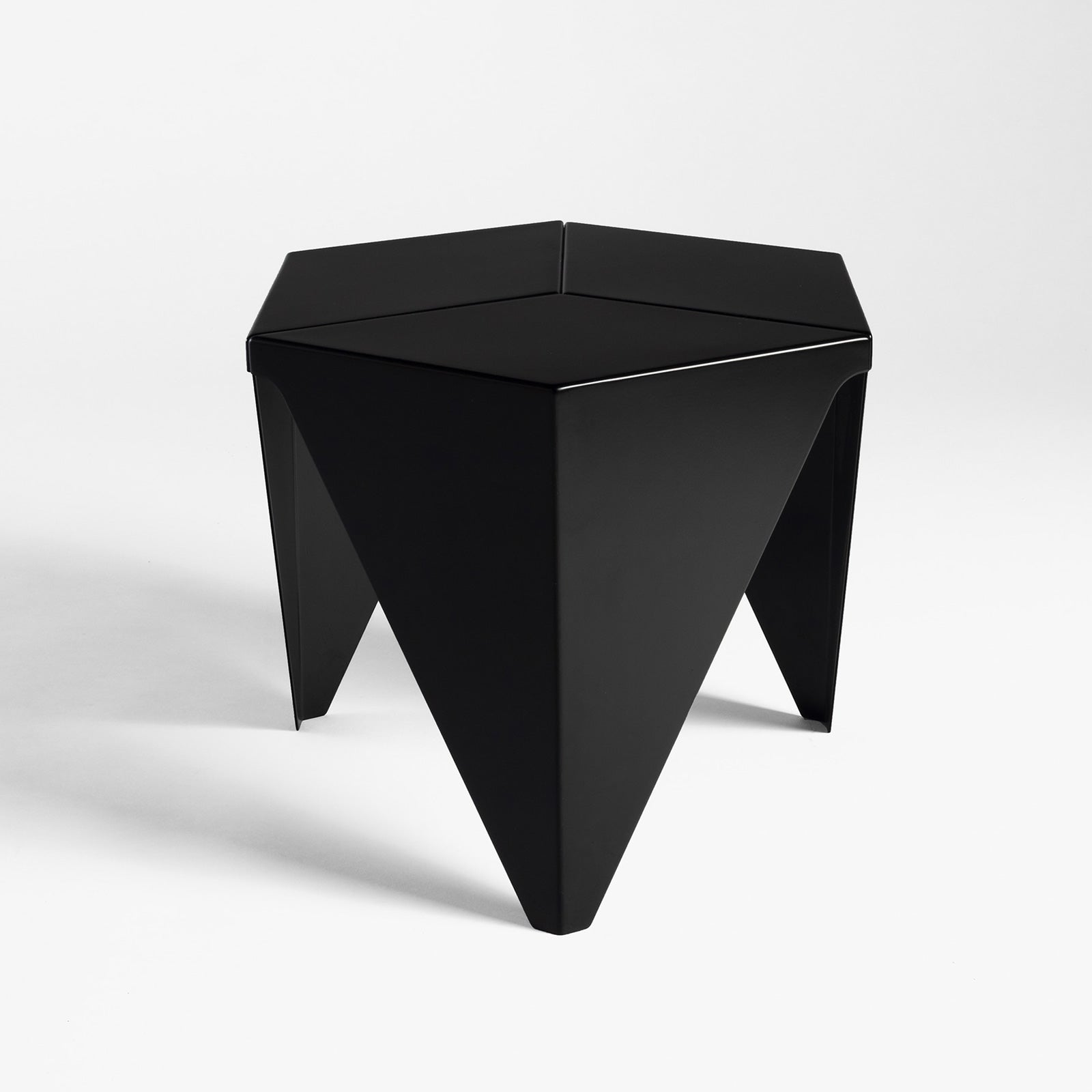 Noguchi Prismatic Table, Black