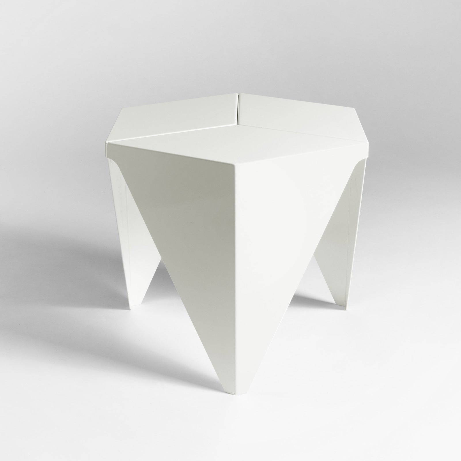 Noguchi Prismatic Table, White