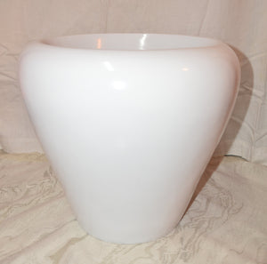 L21 - White Fiber Apple Pot 12""