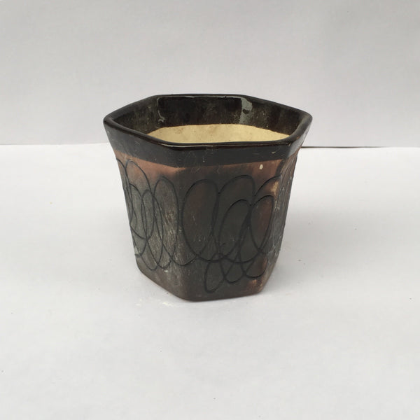 L95 - Chocolate Ceramic Hexagon Pot