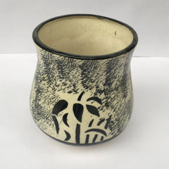 L97 - Black & White Ceramic Pot
