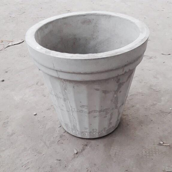 "Cement Planter 18"" - Plain"