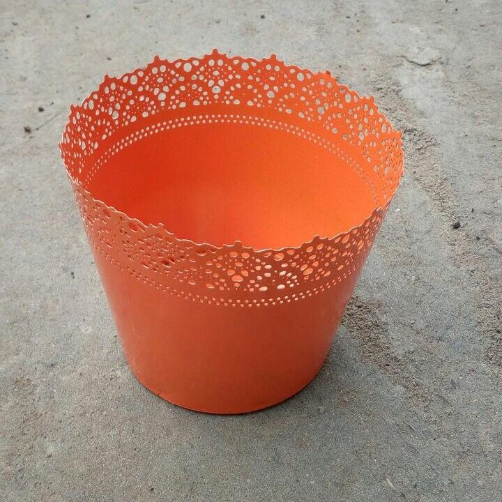 L15 - Designer Metal Planter 8""