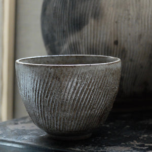 Hannah Blackall Smith Tea bowl Charcoal Grey fluted 12