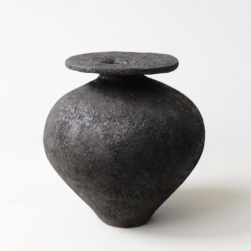 Gracia Alzamora black vessel 14