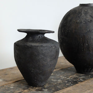 Gracia Alzamora black vessel 9