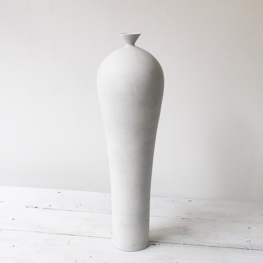 Kenta Anzai White Porcelain Tall Vase