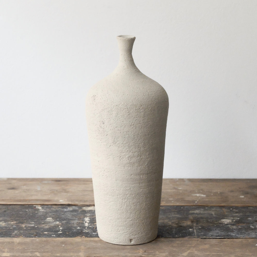 Hannah Blackall Smith Raw white bottle vase 7