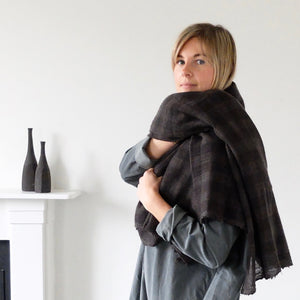 (AW20)  A.B Apuntob Cashmere Scarf in chestnut and coffee