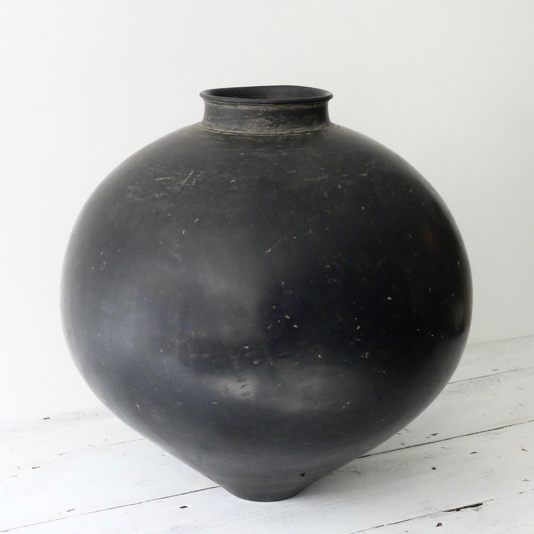 Kenta Anzai Black Urushi Moon Vessel