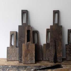 Alex Walshaw Large Salvaged Oak Board and Knife Set 6
