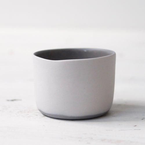 (SE) Nathalie Lautenbacher Sake Cup Light Grey / Charcoal