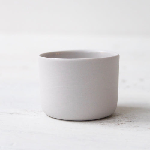 (SE) Nathalie Lautenbacher Sake Cup Light Grey