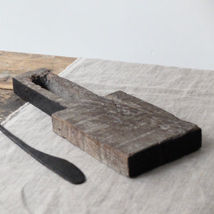 Alex Walshaw Salvaged Oak Board and Knife Set 3