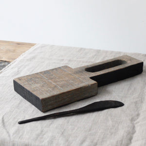 Alex Walshaw Salvaged Oak Board and Knife Set 4