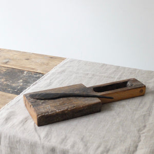 Alex Walshaw Salvaged Oak Board and Knife Set 5