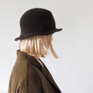 (AW20) SCHA walk through time wool hat in dark brown