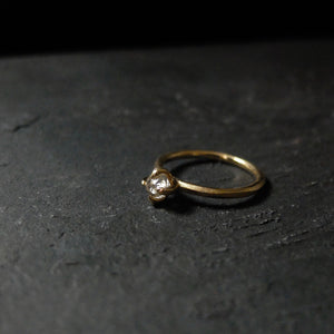 Roughdiamonds.dk by Maya Bjørnsten yellowish Diamond in 14k handcrafted gold ring