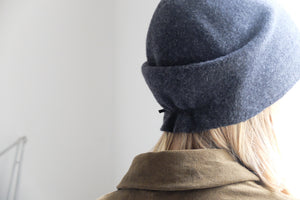 (AW20) SCHA taiga medium hat in dark grey
