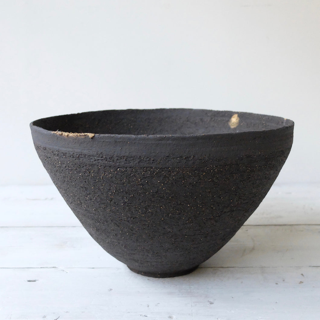Abigail Schama Large Earth begging Bowl