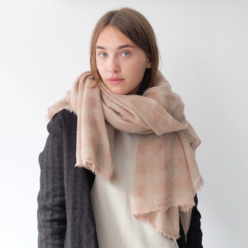 (AW20)  A.B Apuntob Cashmere Scarf antique rose