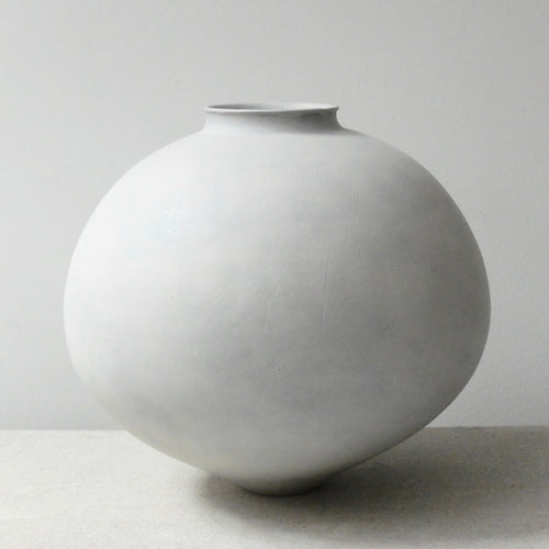 Kenta Anzai White Porcelain Moon