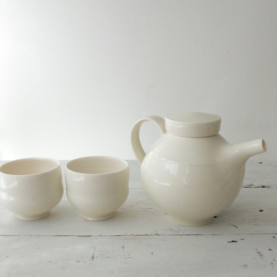(PE) Sun Kim porcelain tea set