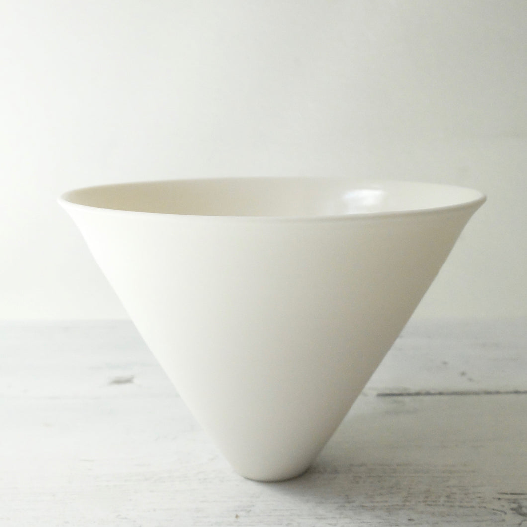 (PE) Tanya McCallin Porcelain Vessel TM81