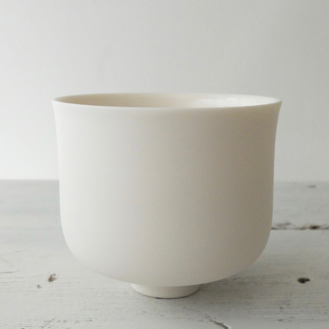 (PE) Tanya McCallin Porcelain Vessel TM80