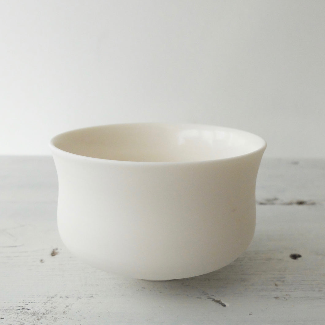 (PE) Tanya McCallin Porcelain Vessel TM85