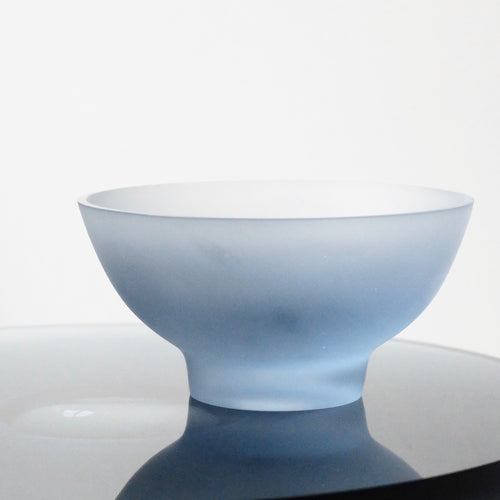 Celia Dowson Rhossili Glass medium bowl in pale steel blue