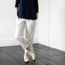 (SS20) LABO.ART Panta Vela Clara Trousers Sable