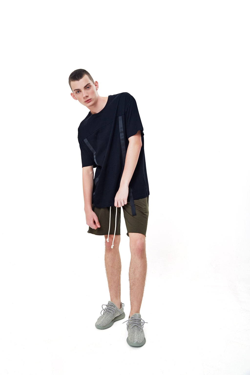 TAPE BLACK OVERSIZED T-SHIRT