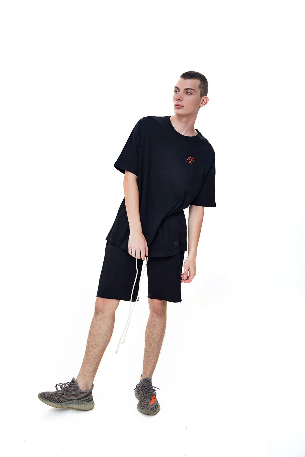 HUNDRED BLACK OVERSIZED T-SHIRT
