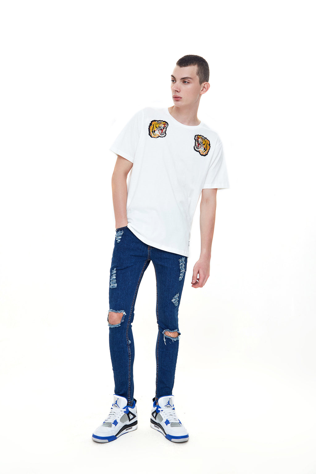 PEDRO BLUE DISTRESSED JEANS