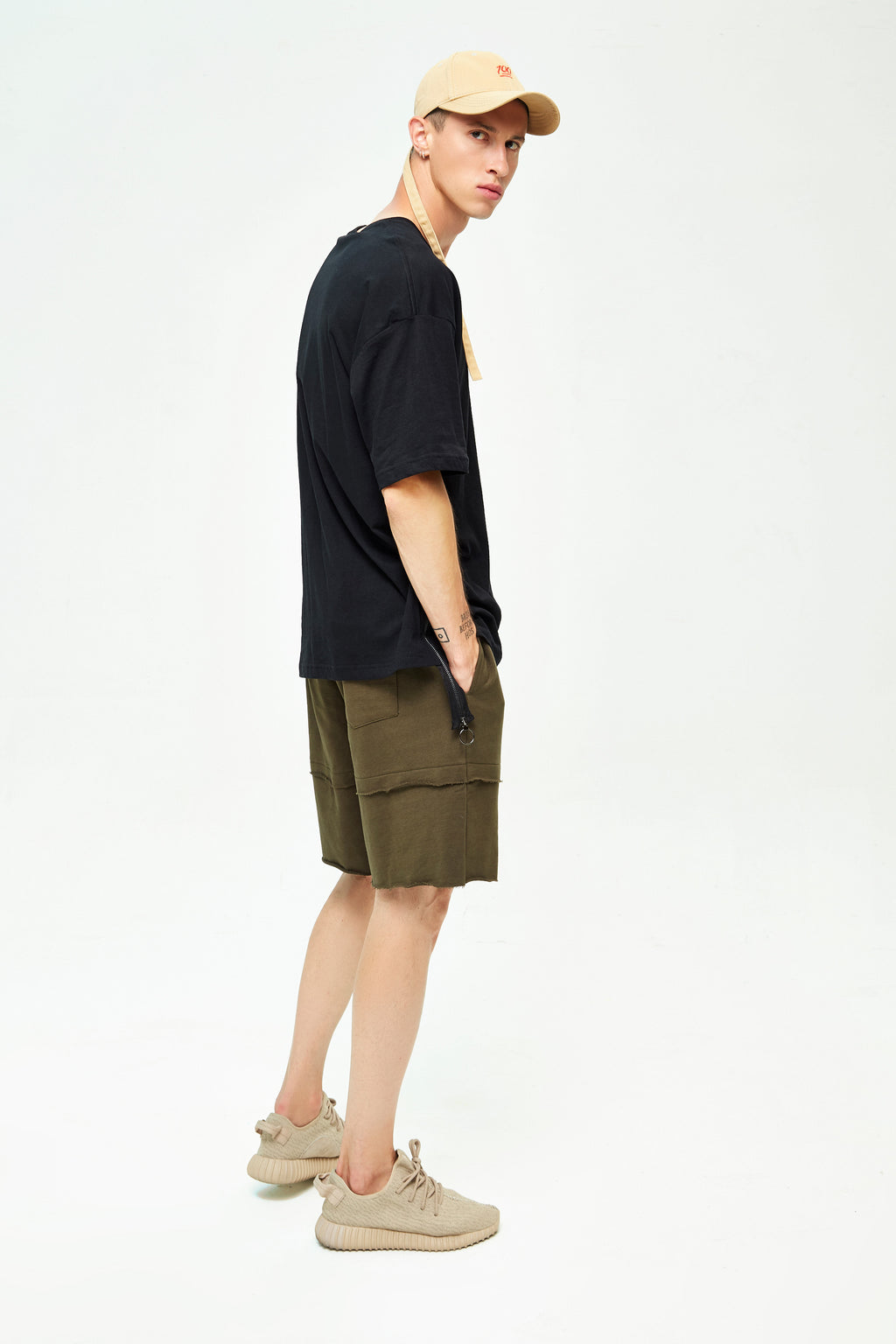 RYAN BLACK OVERSIZED T-SHIRT