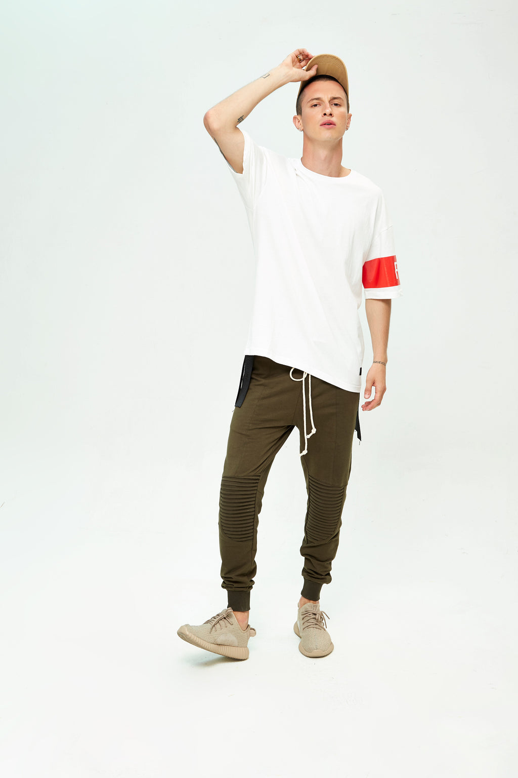 BAND WHITE OVERSIZED T-SHIRT
