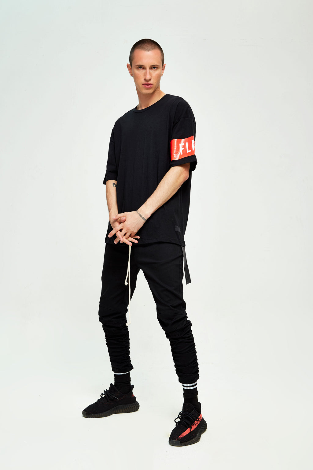 BAND BLACK OVERSIZED T-SHIRT