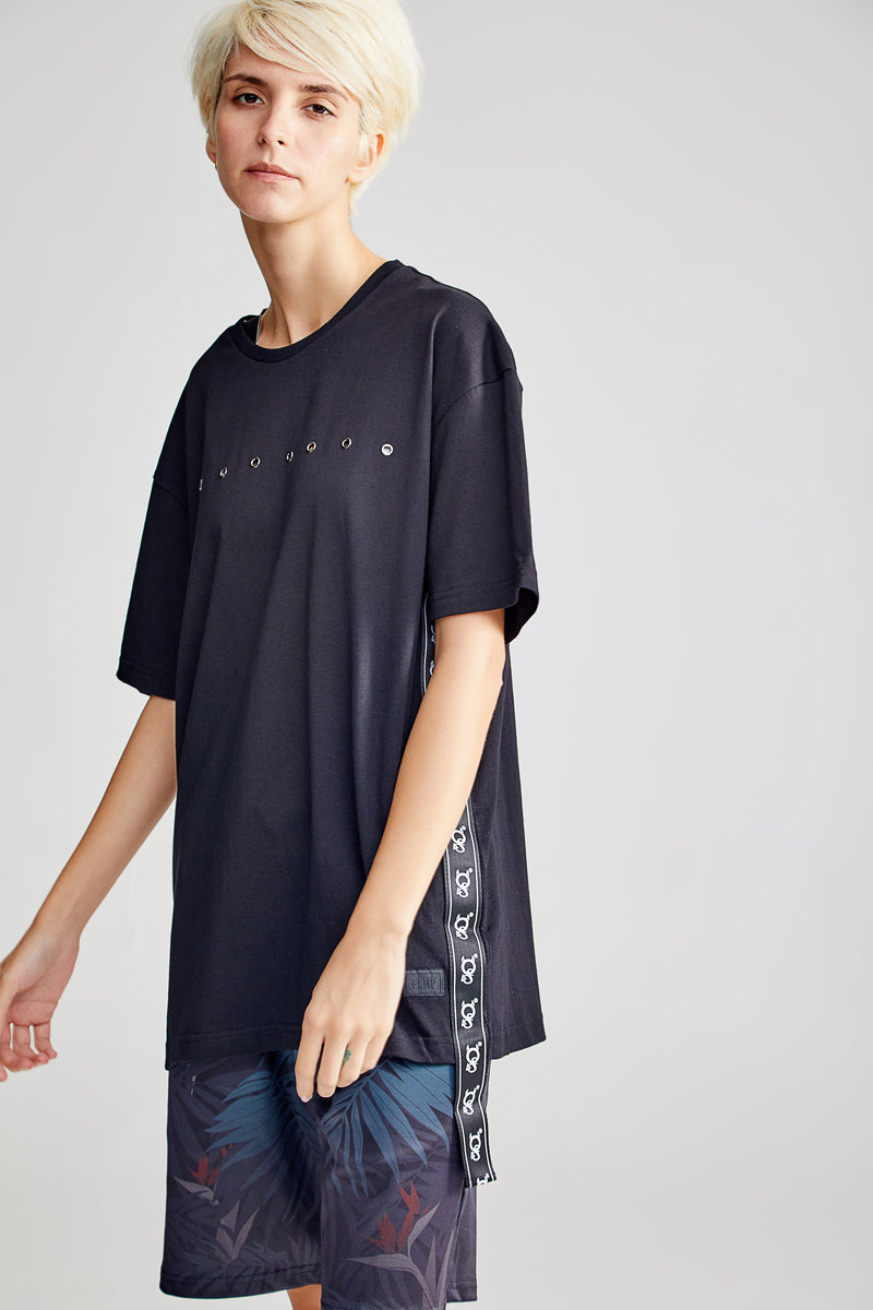 PANTHER OVERSIZED BLACK T-SHIRT