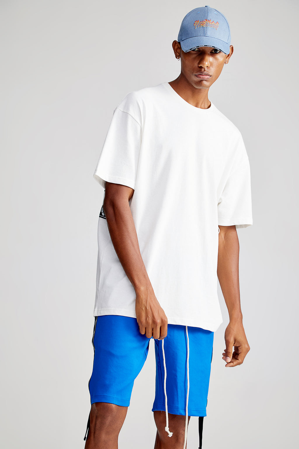 LOOPER OVERSIZED WHITE T-SHIRT