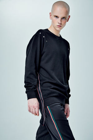 PUNCHER BLACK SWEATER