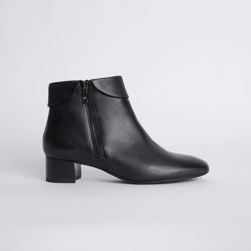 ARA LOW HEELED ANKLE BOOTS 16609