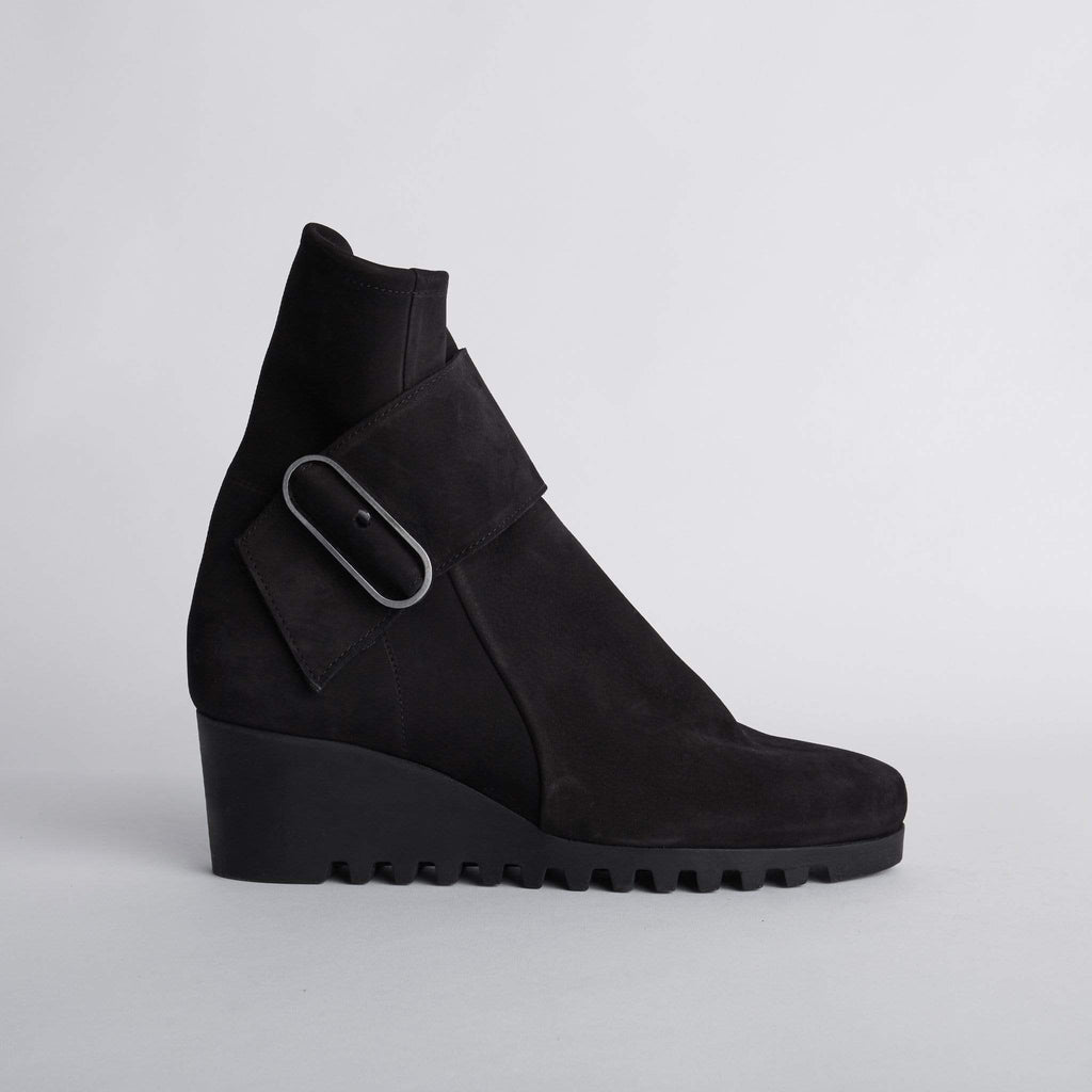 ARCHE MEDIUM HEELED ANKLE BOOTS LARUNE