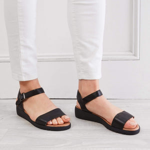 HUGO BELLE FLAT SANDALS HAWAII